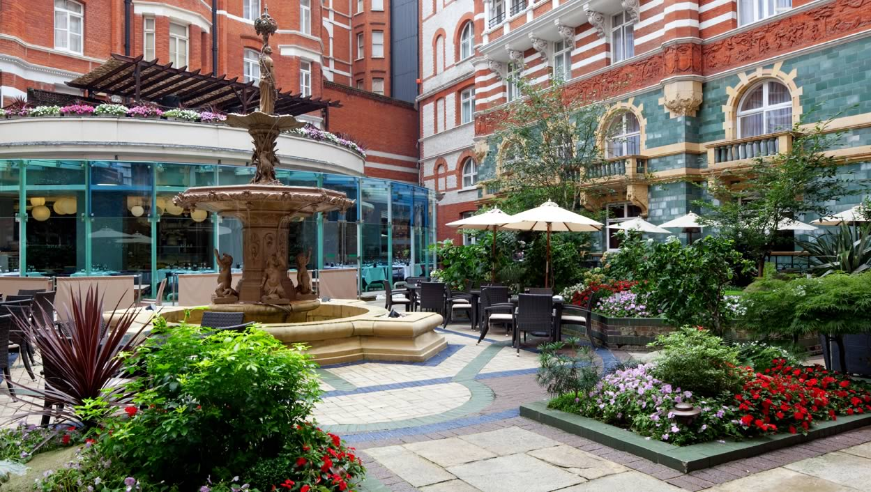 REVIEW: ST JAMES COURT A TAJ HOTEL LONDON
