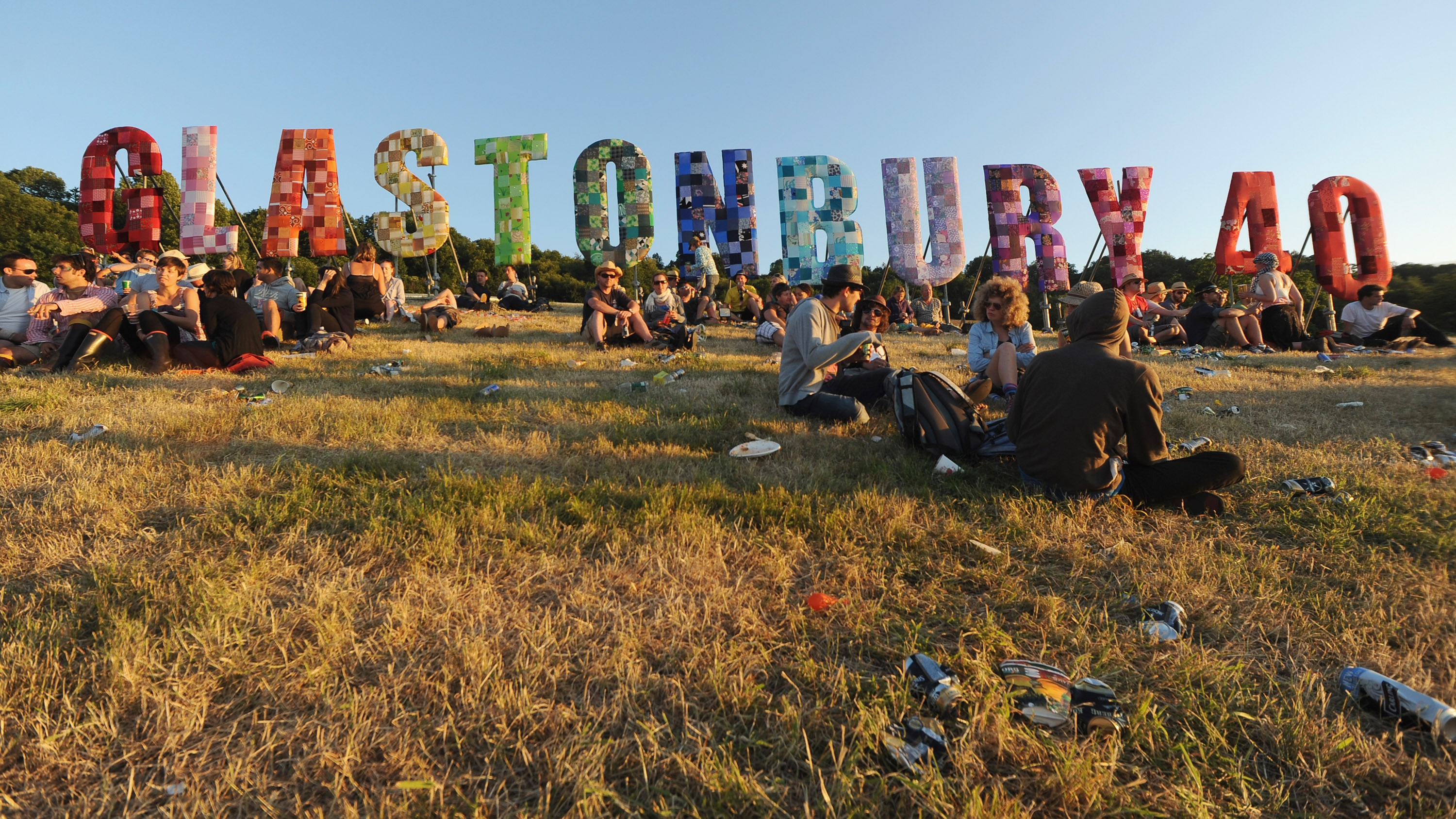 Glastonbury Line Up Update: FULL GLASTONBURY LINE-UP REVEALED