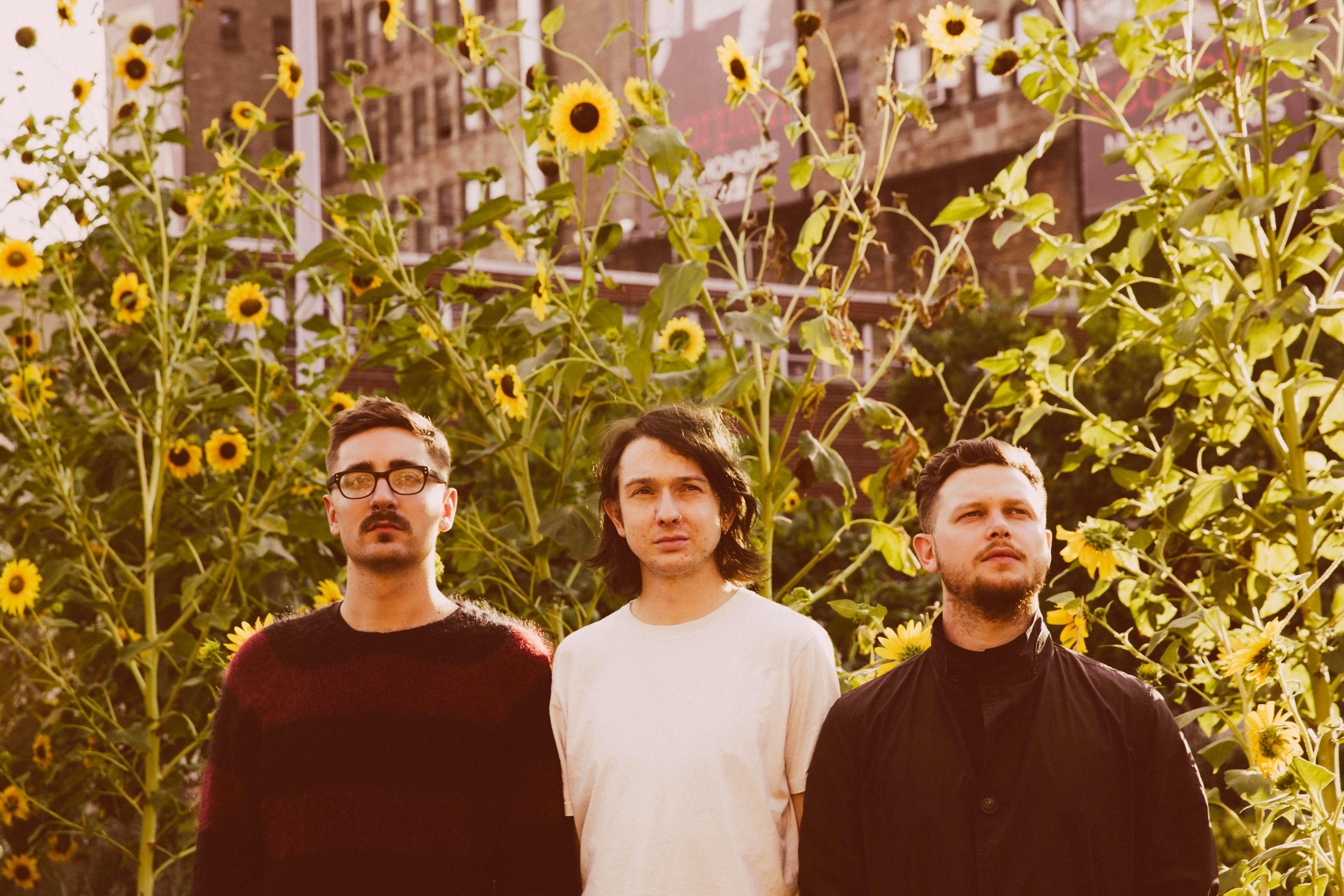 Napak Tilas alt-J, Band Indie Rock yang Selalu Membumi