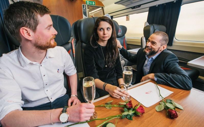 love train online dating