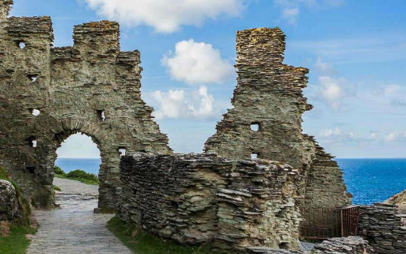 tintagel-castle-loti