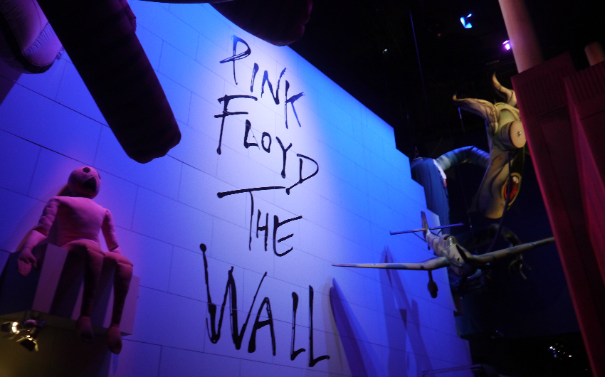 Pink floyd their mortal remains exhibition london on for Pink floyd exhibition