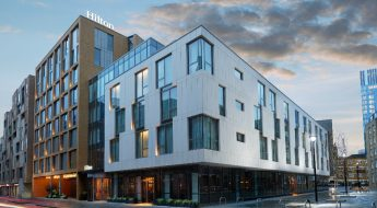 checking in: hilton bankside
