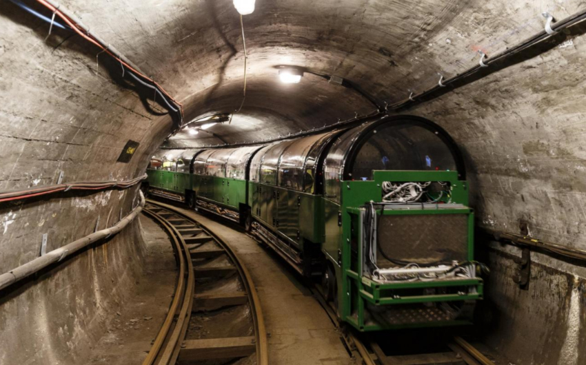 ride the mail rail