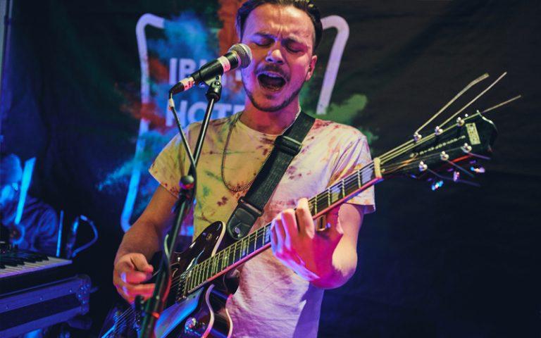 Ibis lates band LOTI